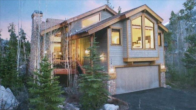Mountain Elegance, Center of 4 Ski Resorts,  Hot Tub, Fire Pit, 4k Sq Ft, location de vacances à Frisco