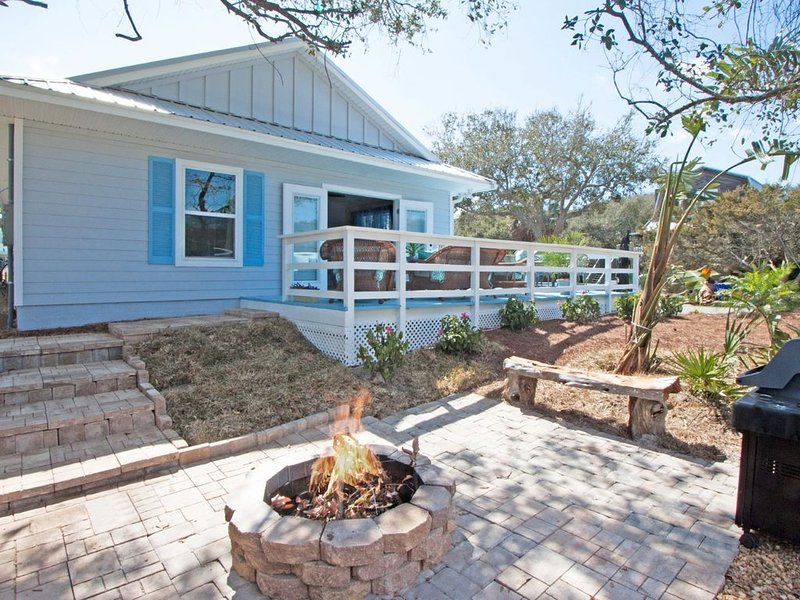 Beautiful  new Vilano Beach home, casa vacanza a Saint Augustine