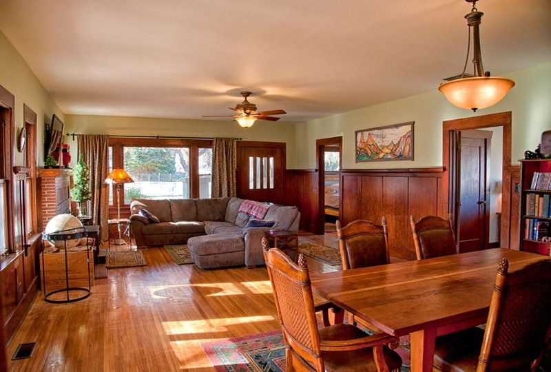 Bishop Farmhouse, Spa, On 1 acre, 4300 per Month, holiday rental in Inyo County
