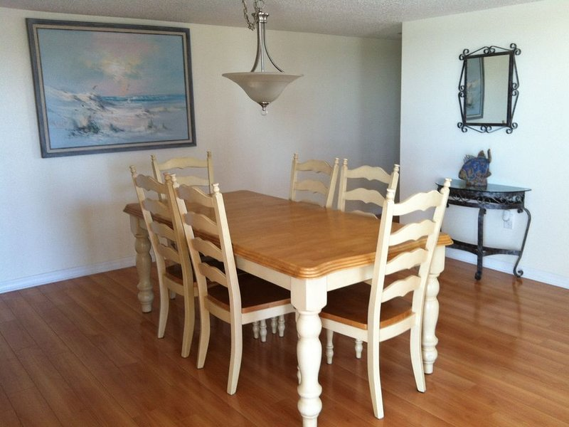 Beautiful Beach! Spectacular Sunsets!, holiday rental in Redington Shores