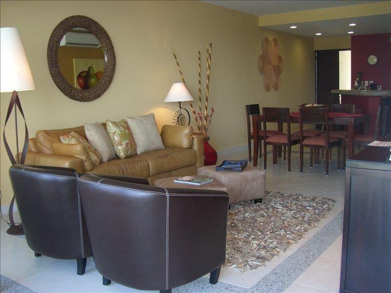 3BR Luxury Villa Magna Beachfront Condo - Best of Everything!, vacation rental in Nuevo Vallarta