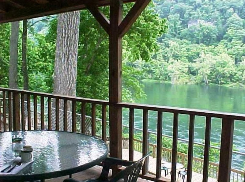 Riverside Vacation Homes WHITE RIVER! by BULL SHOALS DAM & LAKE!, holiday rental in Lakeview