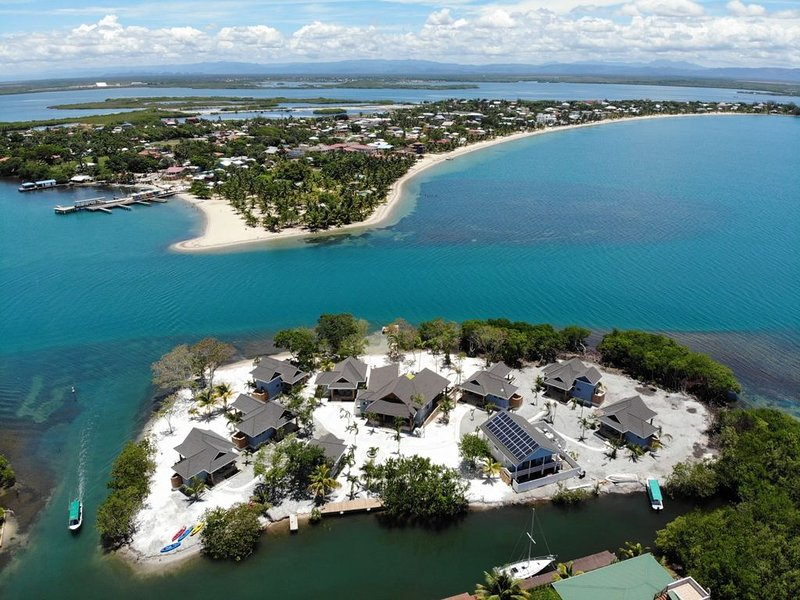 Private Island Paradise!, aluguéis de temporada em Stann Creek