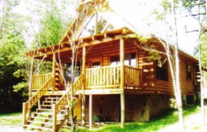 Lake Cumberland/Conley Bottom area-Log Cabin Rental, Private, Lake Access .25 Mi, holiday rental in Tateville