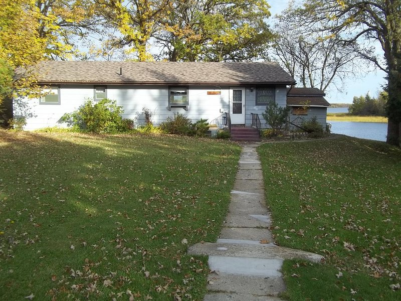Lake of the Woods-Rainy River Waterfront Home.   Fall and Winter Walleyes Await!, casa vacanza a Williams