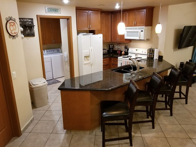 Beautiful 1 Bedroom Condo With An Oceanview Overlooking The Pool In Phase 1, vacation rental in Puerto Penasco