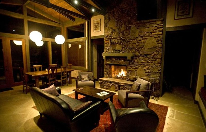 40 Acre Retreat in the Escalante Canyon - Perfect for social isolation, vacation rental in Escalante