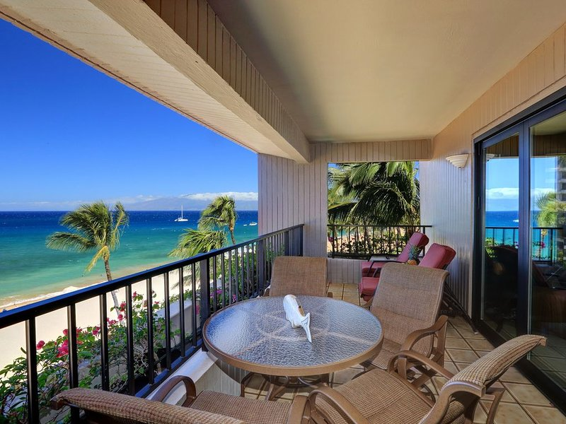 Luxury Oceanfront Kaanapali Alii - Oversized 2 Bdr/2 BA Condo, holiday rental in Lanai