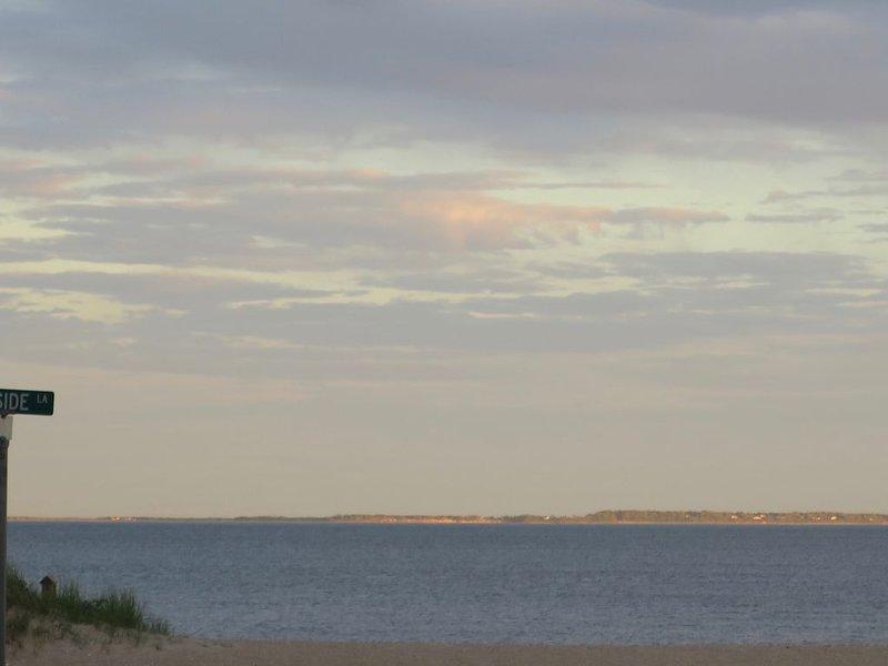 Pôr do sol, batendo, ilha longa