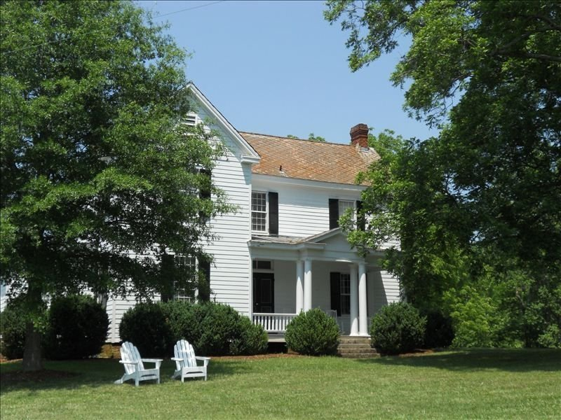 Private Paradise -  Historic 1870 Home on 630 Acre Estate - Pool, Lake, Views, holiday rental in Goochland