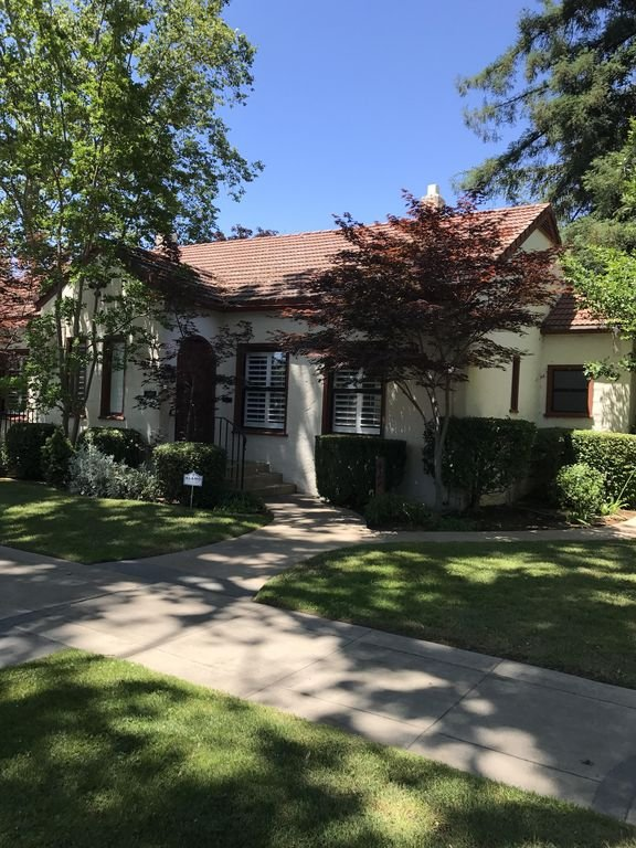 Vintner's Cottage One Block From Historic Downtown Lodi, holiday rental in Lodi