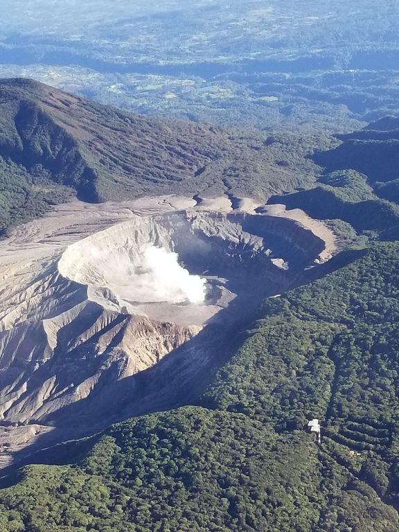 Volcano Poas op een perfecte dag. 1 uur van Quinta Colina Paula
