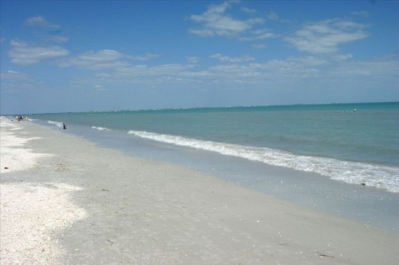 Sanibel Is Open! Drive  to your  Direct GulffrontGetaway!  Amazing Ocean Views, vacation rental in Sanibel Island