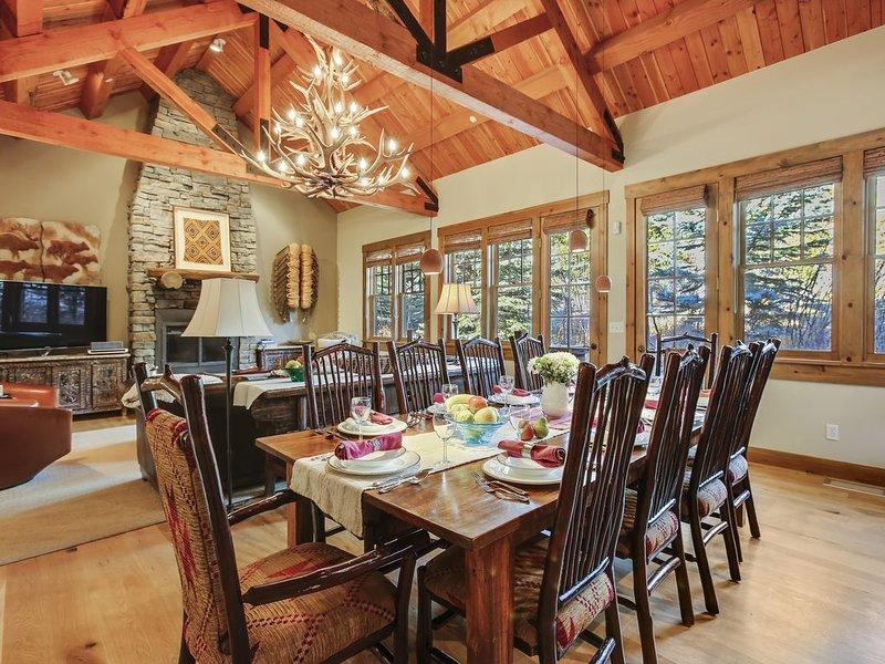 Granite Ridge Cabin,Teton Village,1mile from Grand Teton Park,walk to ski slopes, casa vacanza a Jackson Hole