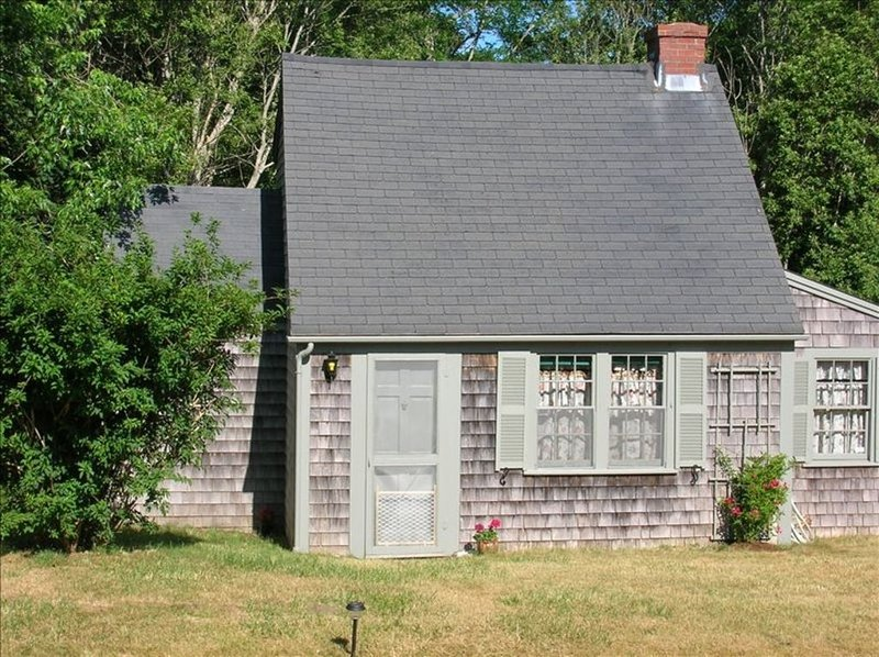 The Charm of Old Cape Cod, Ferienwohnung in Eastham