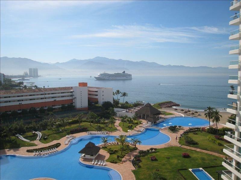 Shangri-La: Relax and Enjoy the Premium Amenities, location de vacances à Jarretaderas
