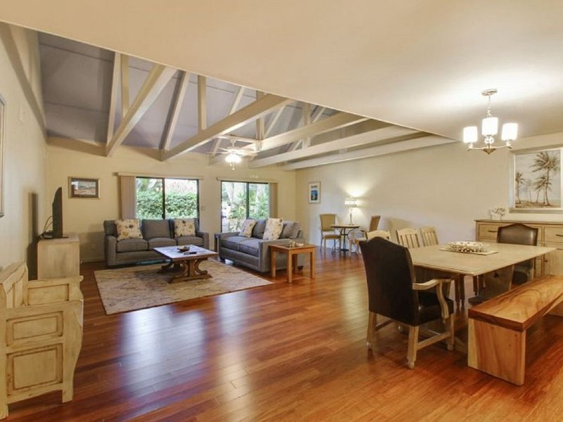Palmetto Dunes Villa - Clean, Hardwoods, Large Deck, location de vacances à Bluffton