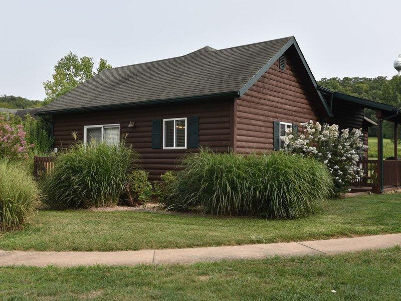 Inside the Premier Old Kinderhook Golf Resort, Pet Friendly and FREE Kayaking!, location de vacances à Camdenton