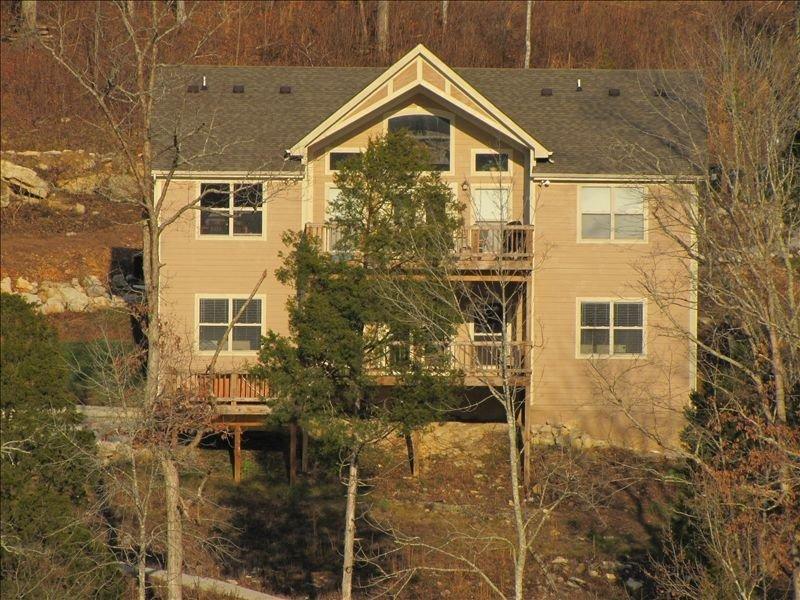 'Lazy Daze' - Lakefront Home, Two Family Rooms, Private Dock, Hot Tub!, alquiler de vacaciones en Sharps Chapel