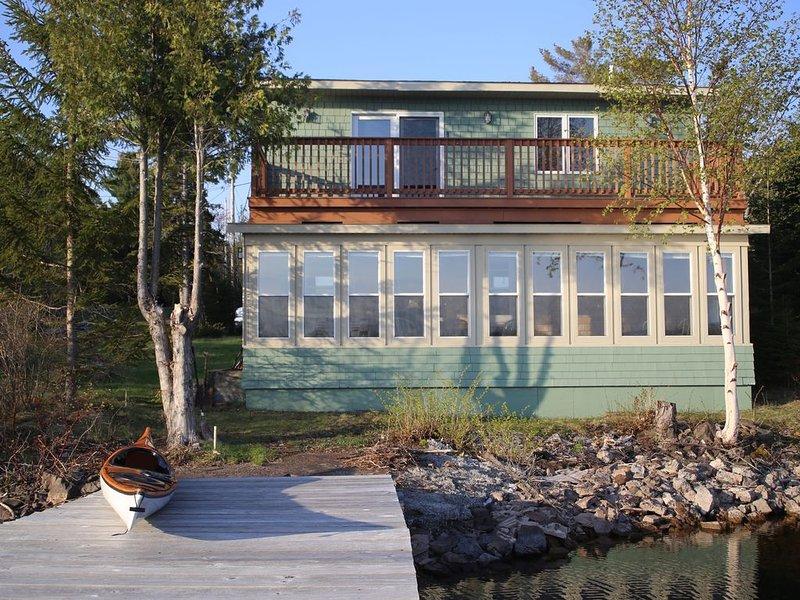 Waterfront 2 Br Cottage In Copper Harbor With Private Dock, location de vacances à Eagle River