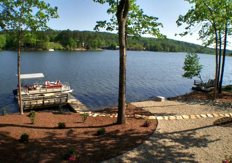 Lake Views that Will Take Your Breath Away!, vacation rental in Hot Springs Village