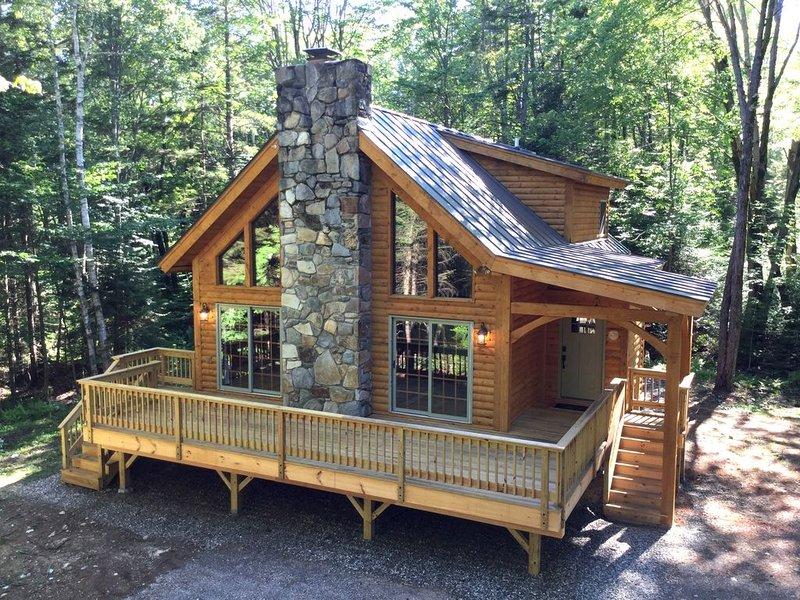 Luxury Log Cabin in Beautiful Weston, VT, casa vacanza a Grafton