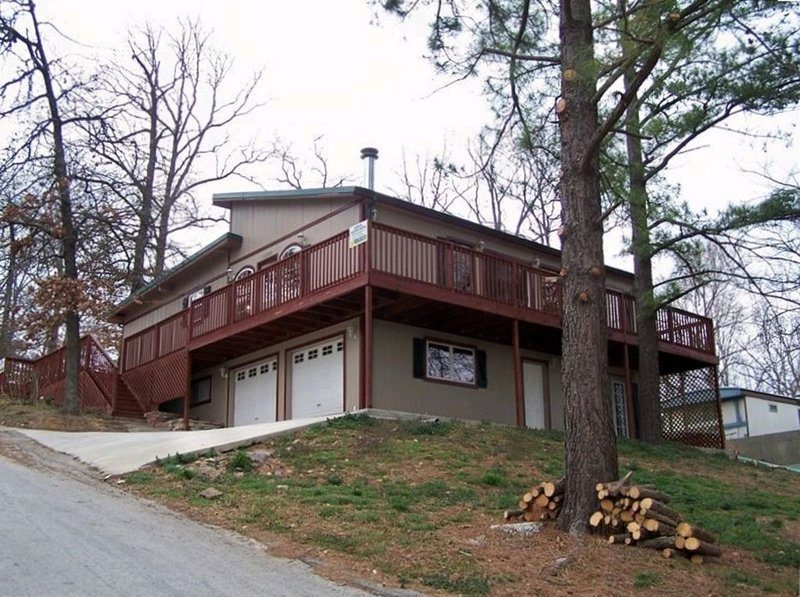 Gorgeous, spacious 4bd 2ba House, holiday rental in Rogers