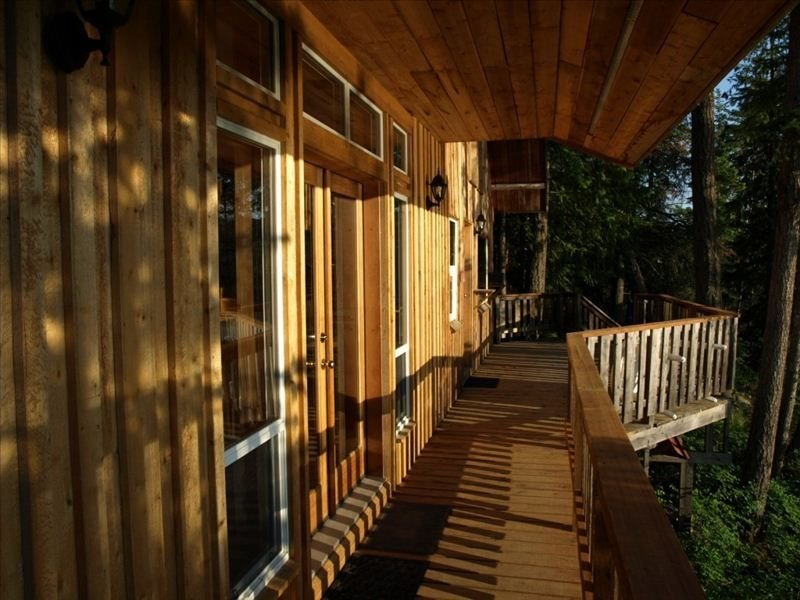 Loft Cabin on 100acr Property on Arrow Lake Beach and Privacy, vacation rental in Fauquier
