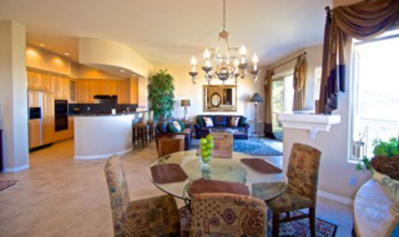 Elegant open concept. High ceilings and plenty of room.