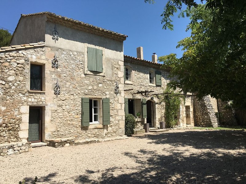 Fully renovated 19th Century 2 Storey House in Provence, holiday rental in Orgon