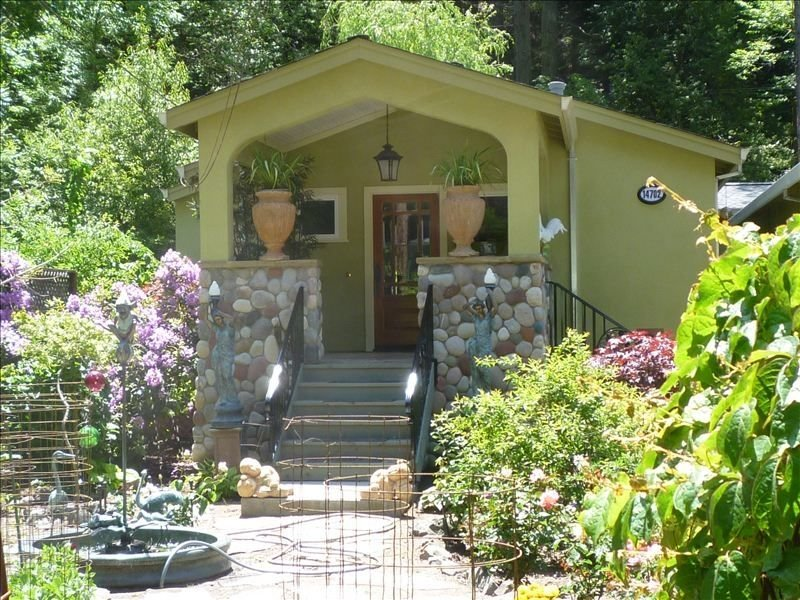 Russian River Gem in the Wine Country Close to Ocean and Spas., holiday rental in Duncans Mills