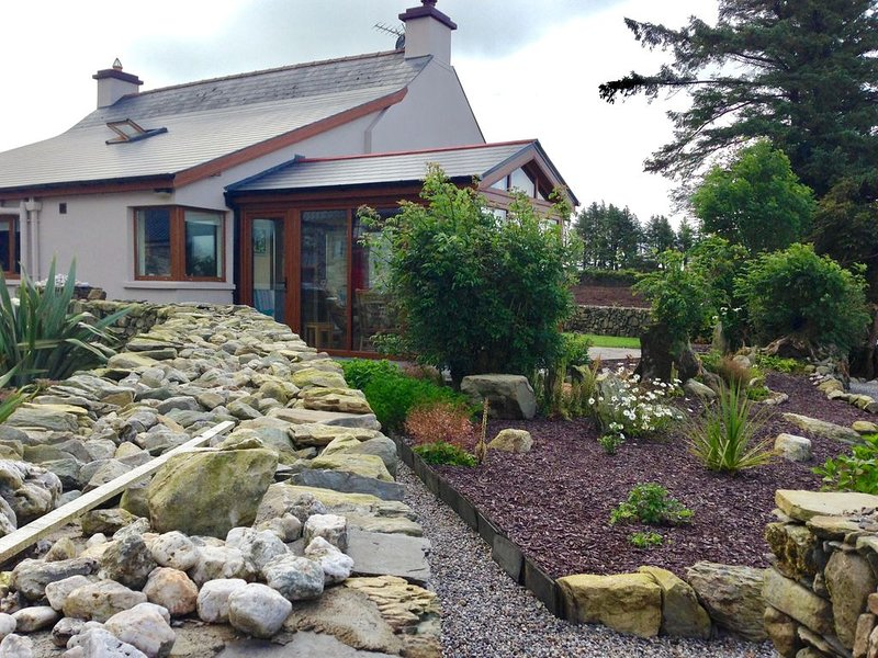 Tullig Rock a Beautiful Country Home; Also available, Stone Cottage, vacation rental in Glandore