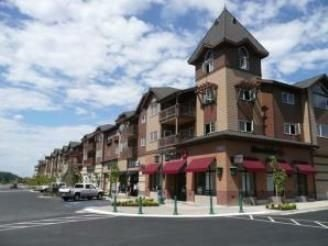 Village at Riverstone 1 Bedroom Luxury Condo by Spokane River Wi Fi Lic. 52649, holiday rental in Post Falls