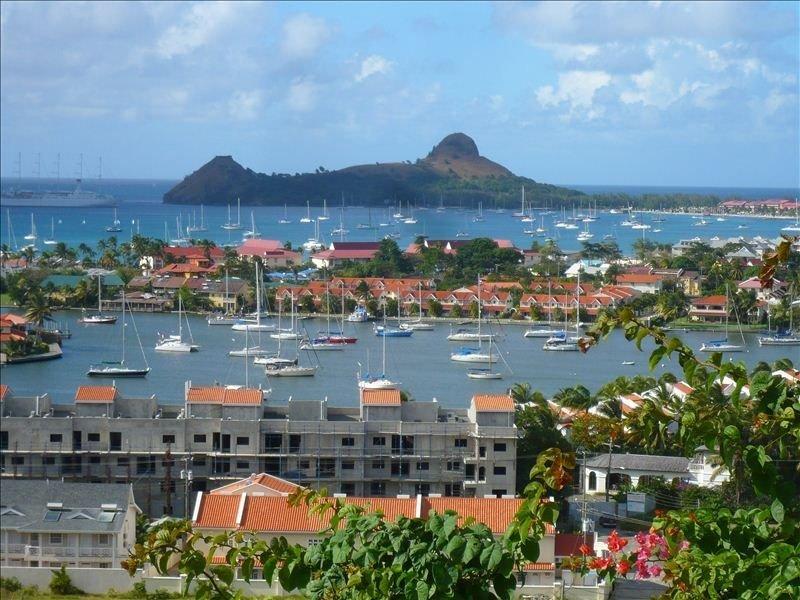 Your neighbourhood - Marina, Reduit Beach, shops, restaurants & entertainment