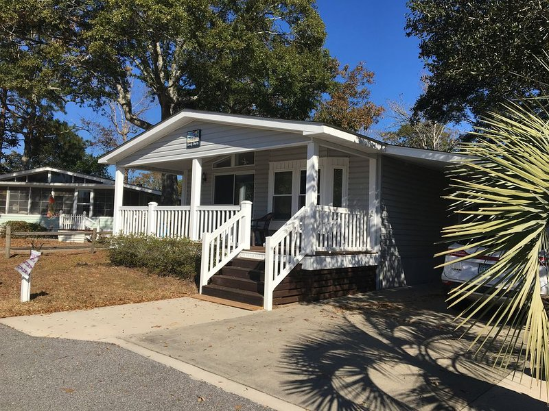 Great House! Great Location!, location de vacances à Surfside Beach