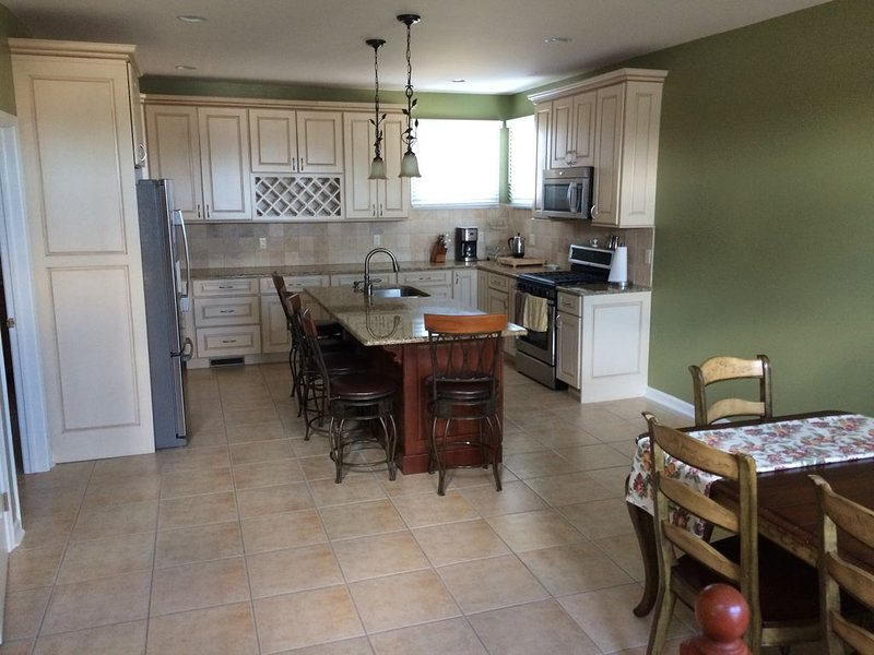 Luxury Beach House! First time rental. 5 Bedroom, 3 1/2 Bath., holiday rental in Brigantine