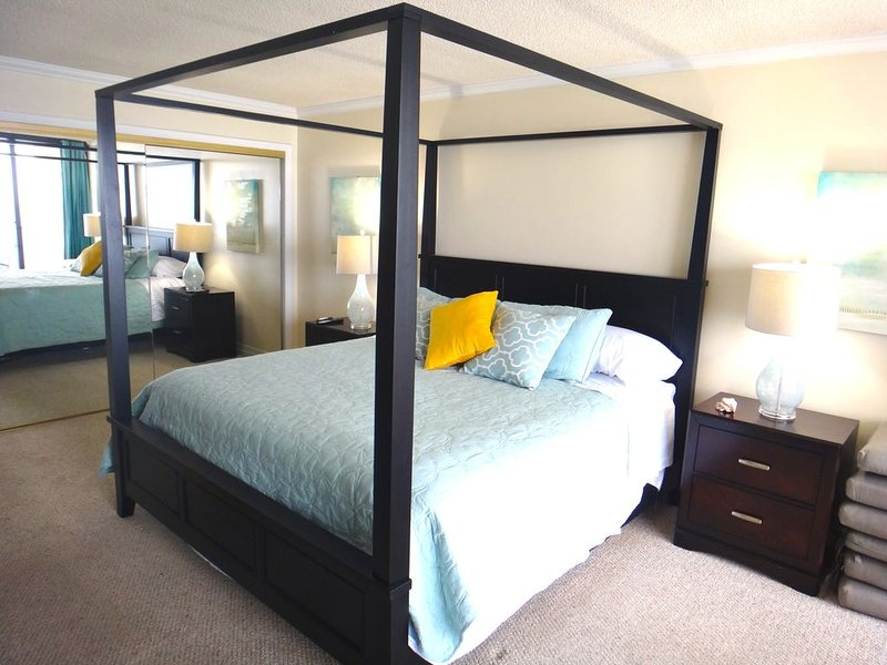 Beachfront Remodeled, Relaxing & Modern 2 Bed/2Bath, location de vacances à Panama City