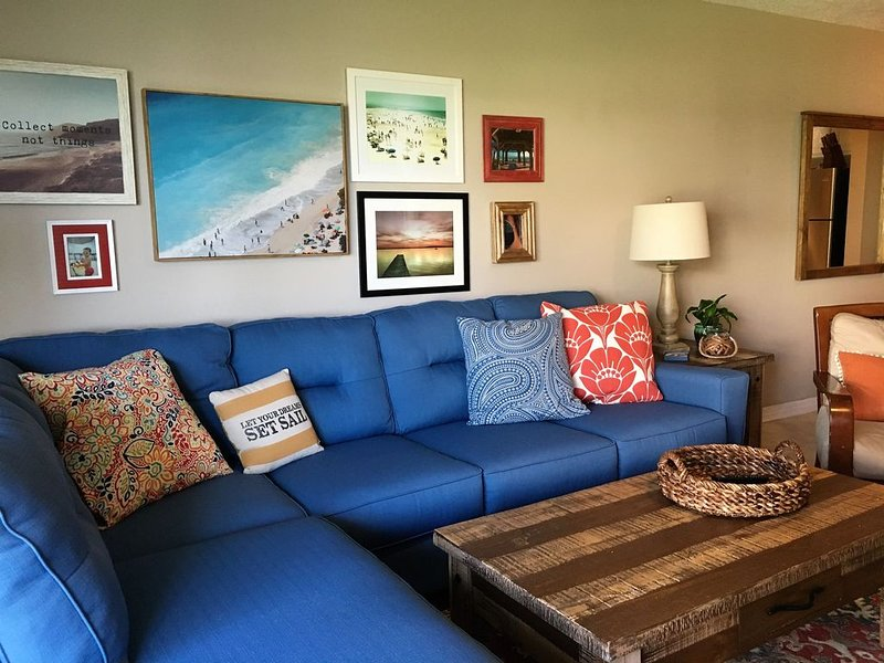 Awesome Waterfront Condo on Pensacola Beach -  Walking Distance to Boardwalk, vacation rental in Pensacola Beach