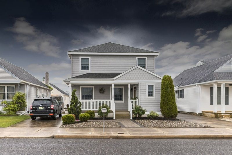 Huge 5 Bedroom Beach House In Wildwood Crest, aluguéis de temporada em Wildwood Crest