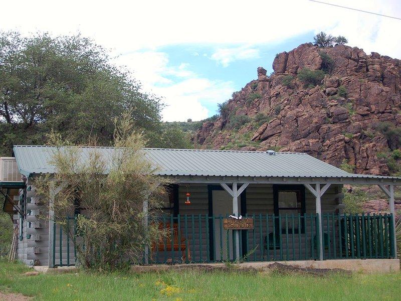 La Cabaña Escondida...the Perfect, Private Getaway, holiday rental in Fort Davis