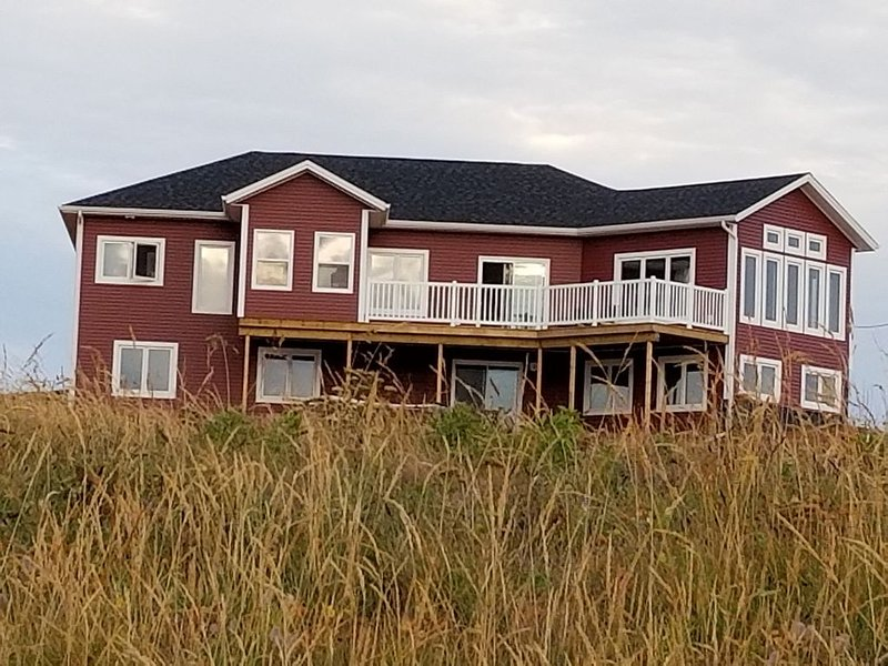 Picturesque oceanfront estate, alquiler de vacaciones en Alberton
