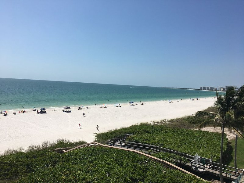 Sea Winds of Marco ..White Sand and Blue Ocean... for Miles and Miles!, vacation rental in Goodland