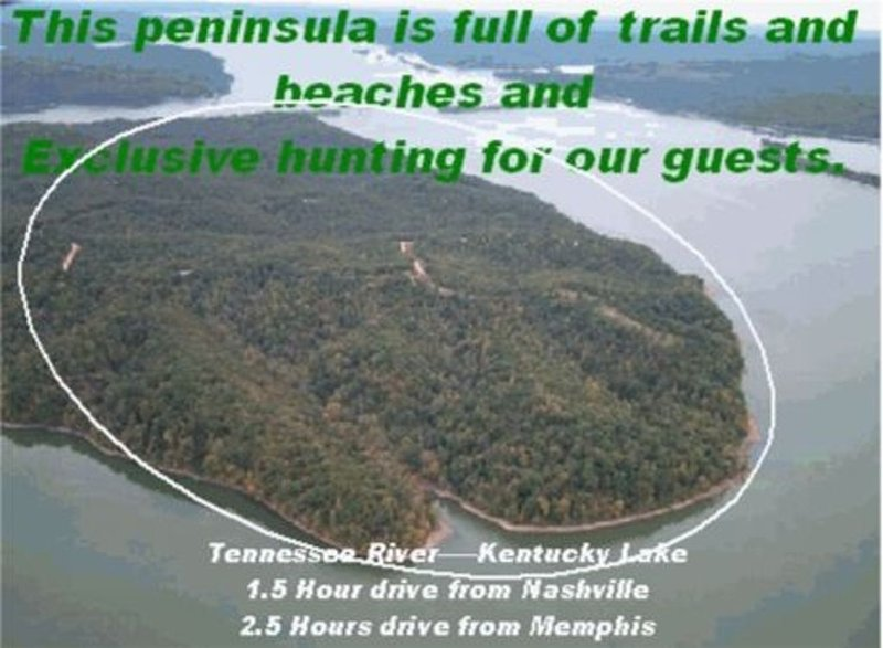 291416 Water's Edge Cabin, Kentucky Lake, Stewart, Tn., Waterfront/Dock, casa vacanza a Springville