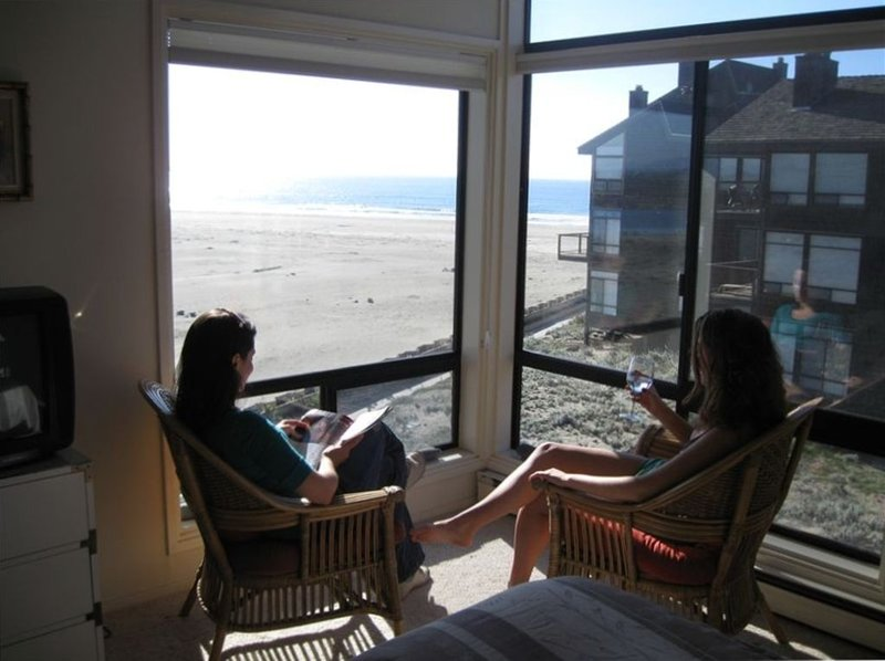 Incredible Beachfront 4 Bedroom Getaway, alquiler vacacional en Watsonville