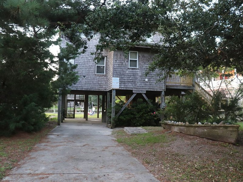 Comfy Cottage for the Perfect Hatteras Vacation!, holiday rental in Frisco