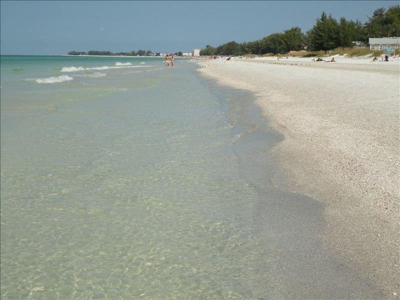 1 BR / 1 BA, Anna Maria Island,Holmes Beach Florida, Gulf Coast, Beach Condo, vacation rental in Anna Maria Island