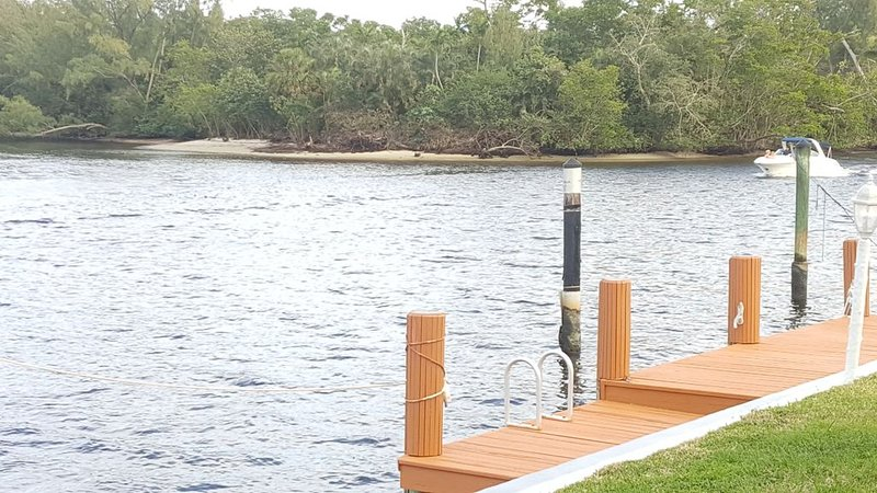 Great deals, Waterfront, Ocean access, Walk to Beach, Free Boat dockage, alquiler vacacional en Boca Ratón