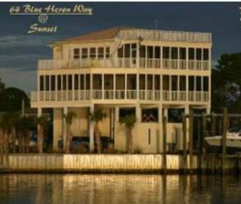 Bay-front! Gorgeous! Spacious! 5/3 Sleeps 14+. Boater's Dream! Close to FSU!, vacation rental in Panacea