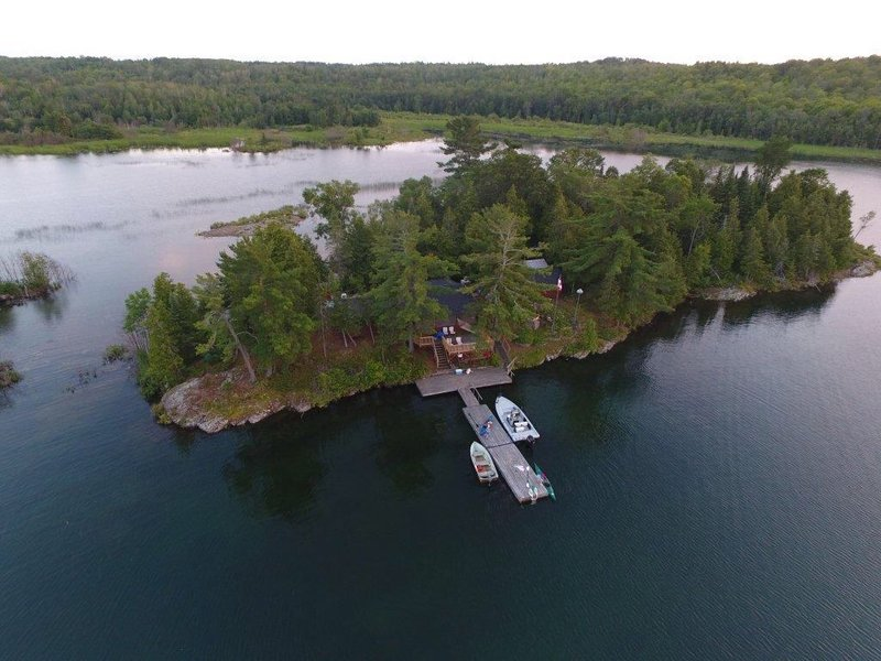 Beautiful Private Island, holiday rental in Northeastern Ontario