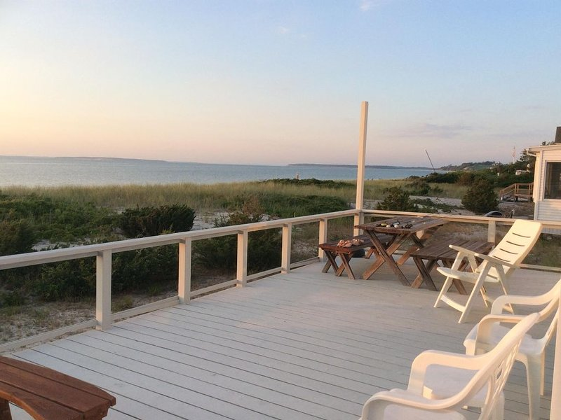 Enjoy More Summer at Stunning Beach Cottage! Shinnecock Hills, Southampton, NY, aluguéis de temporada em Southampton